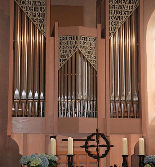 Riedheim-Ev-Kirche_hoch_03